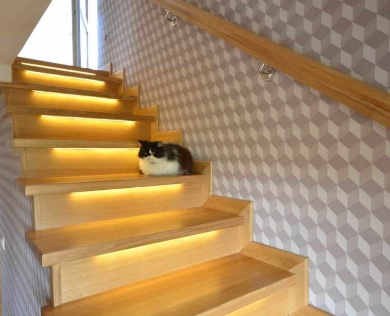Schody LED z podświetleniem i sterownikiem schodowym