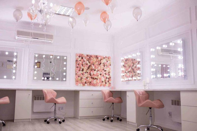 Niezwykle kobiecy makeup room Pani Aleksandry